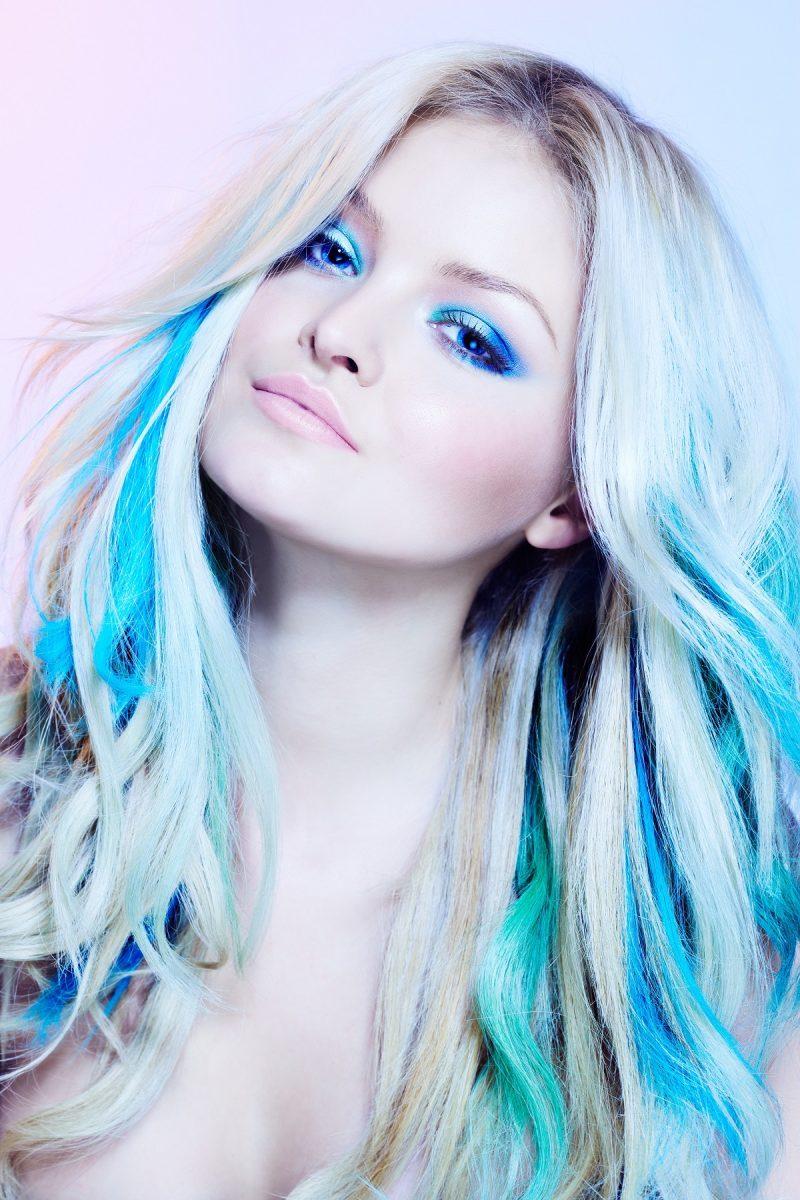 cc3b3mo-tener-cabello-de-fantasia-con-extensiones-azules-800x1200-9334517